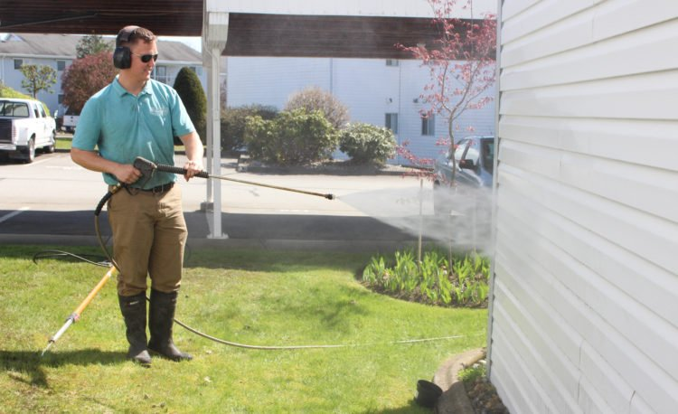 how-to-pressure-wash-your-house