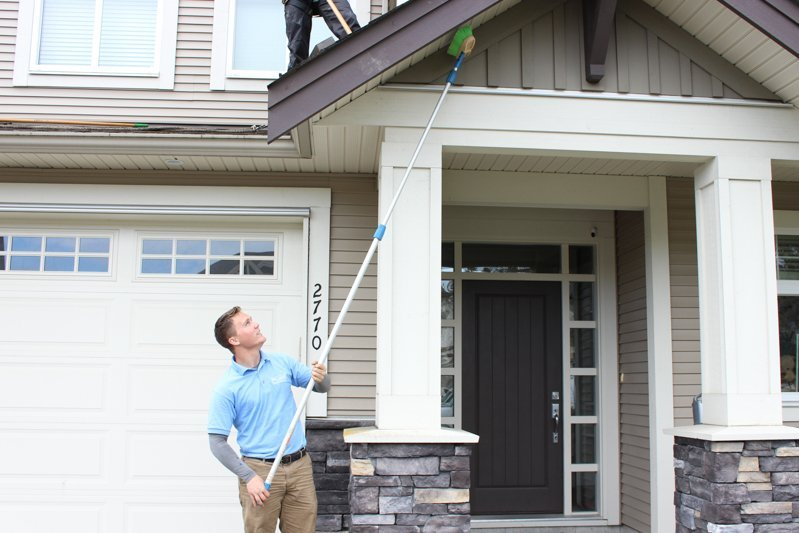 soffits-cleaning-professional-langley